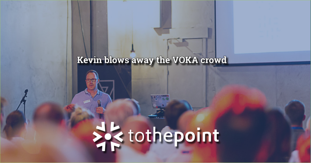 Kevin Smeyers from ToThePoint delivering a talk in front of the VOKA crowd during summerdrink