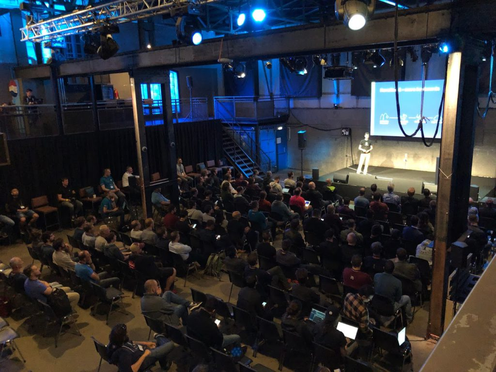 Johan siebens receiving a full room attendance at hashiconfEU Amsterdam 2019
