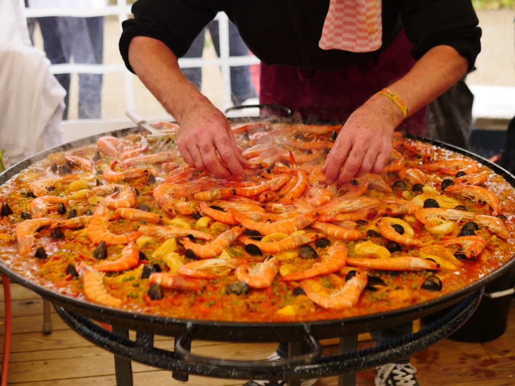 paella in a big pan being baked at levensloop edegem 2019